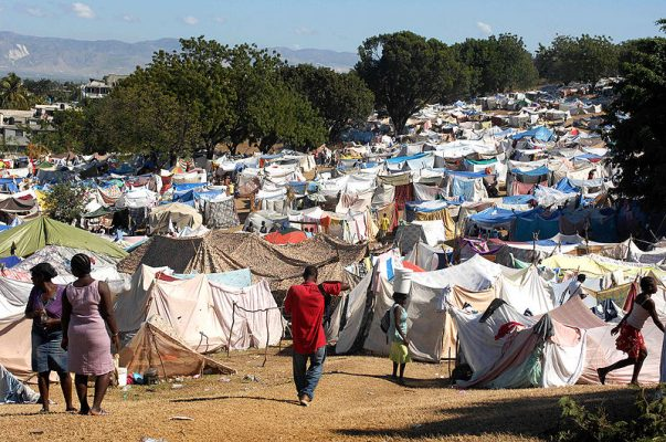 800px-Tent_city_in_Port-au-Prince_2010-01-21